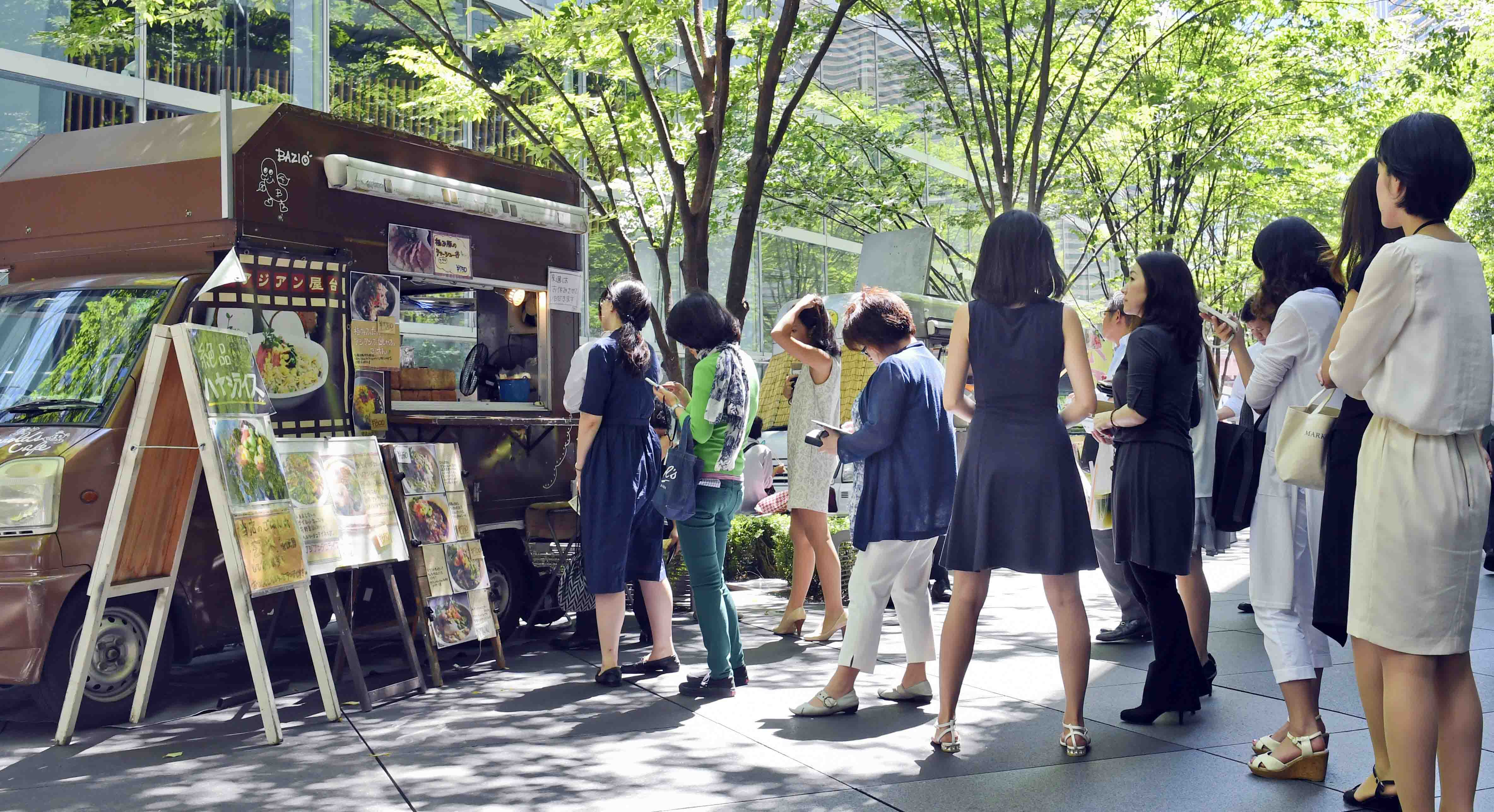 News】 Lunch comes on wheels from all over the world to