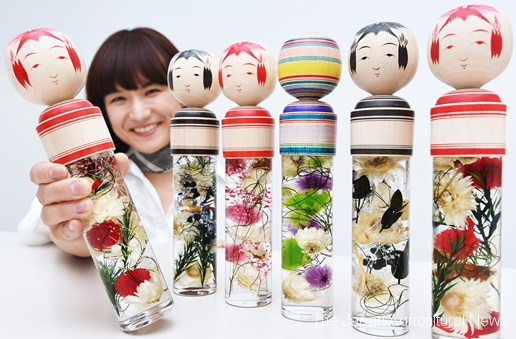 Kokeshium has been popular among kokeshi fans. Thanks to handiwork, each doll has a different face and expression. (in Setagaya Ward, Tokyo)