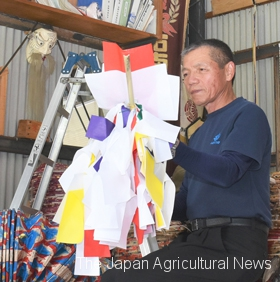 Yoshimitsu Sako at a loss over how to cope with business difficulties (In Hamada City, Shimane Prefecture)