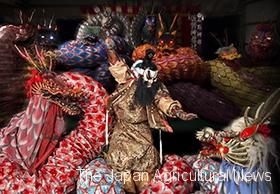"A scene from act named ""Orochi (a giant snake)"" (Photo by Iwami Kagura Sano Kagura Troupe)"
